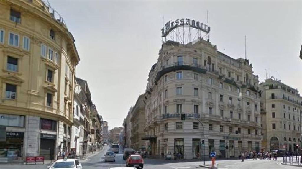 Affitto bar via dei serviti centro storico roma piano for C1 affitto roma