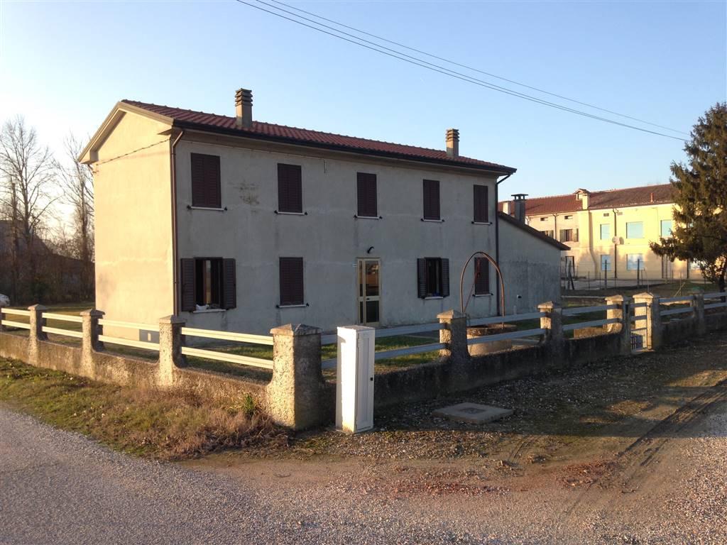 Casa singola, Ceneselli