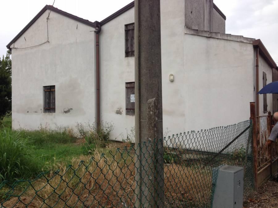 Casa semi indipendente, Cavazzana, Lusia, da ristrutturare