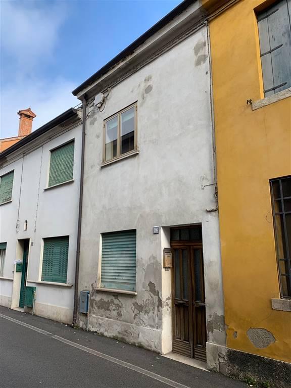 Casa semi indipendente, Badia Polesine, da ristrutturare