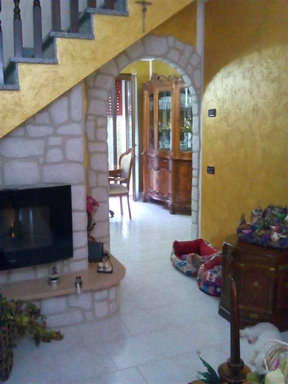 Villa a schieraaLUSIA