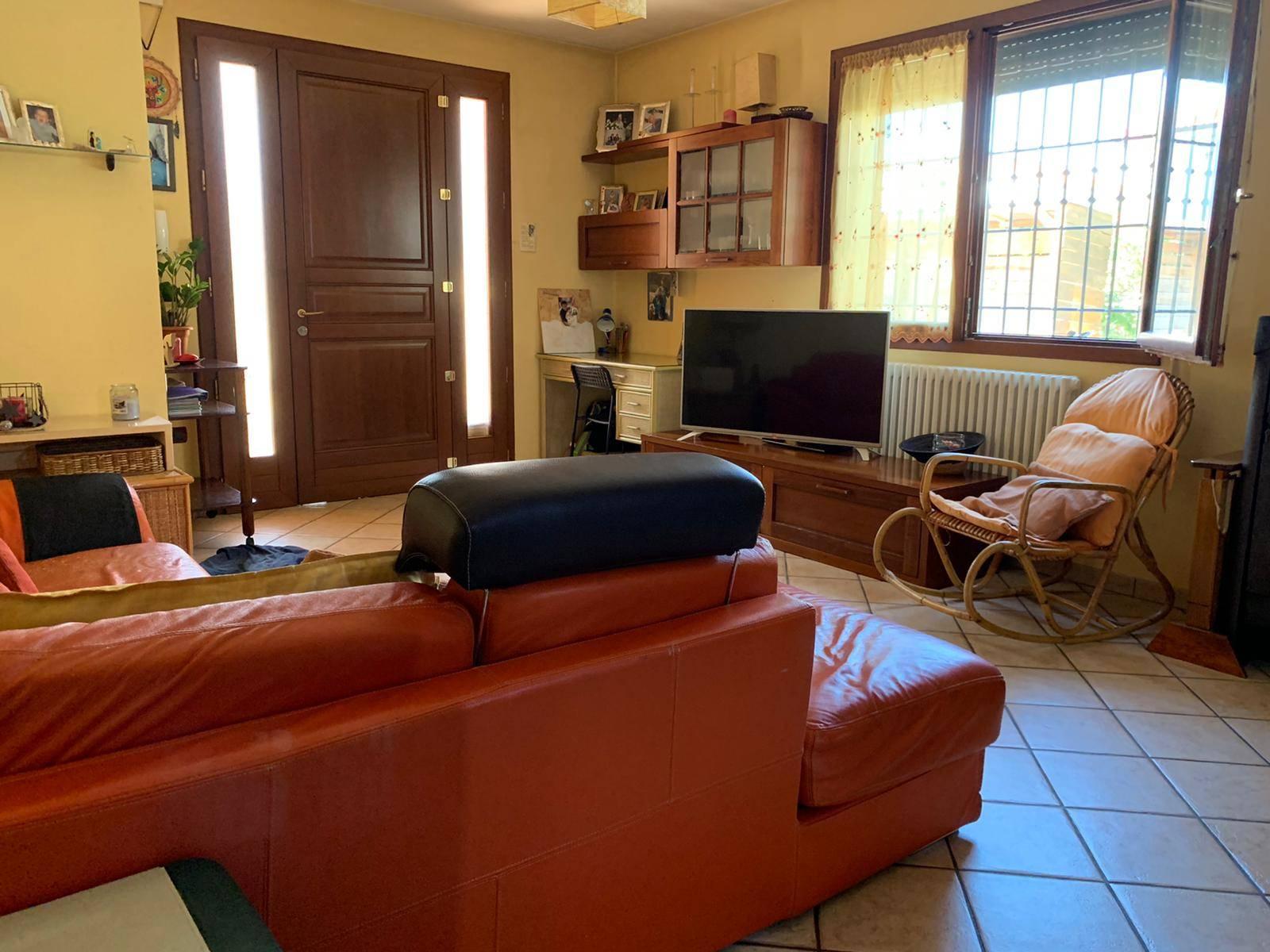 Villa bifamiliare a GIACCIANO CON BARUCHELLA