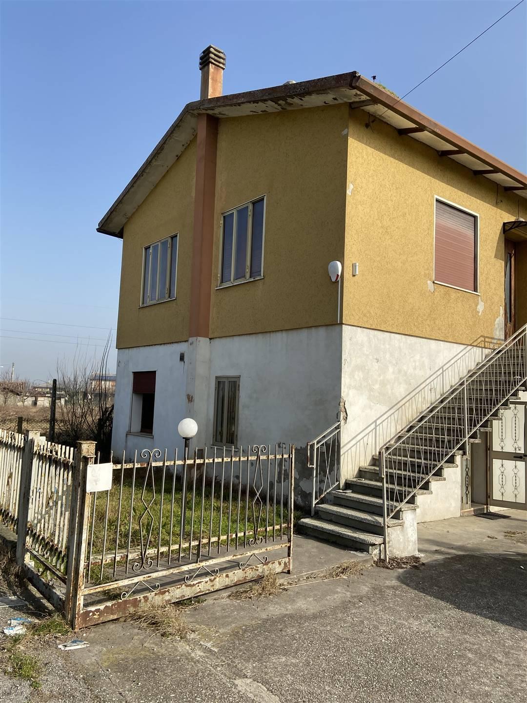Casa singolaaLENDINARA