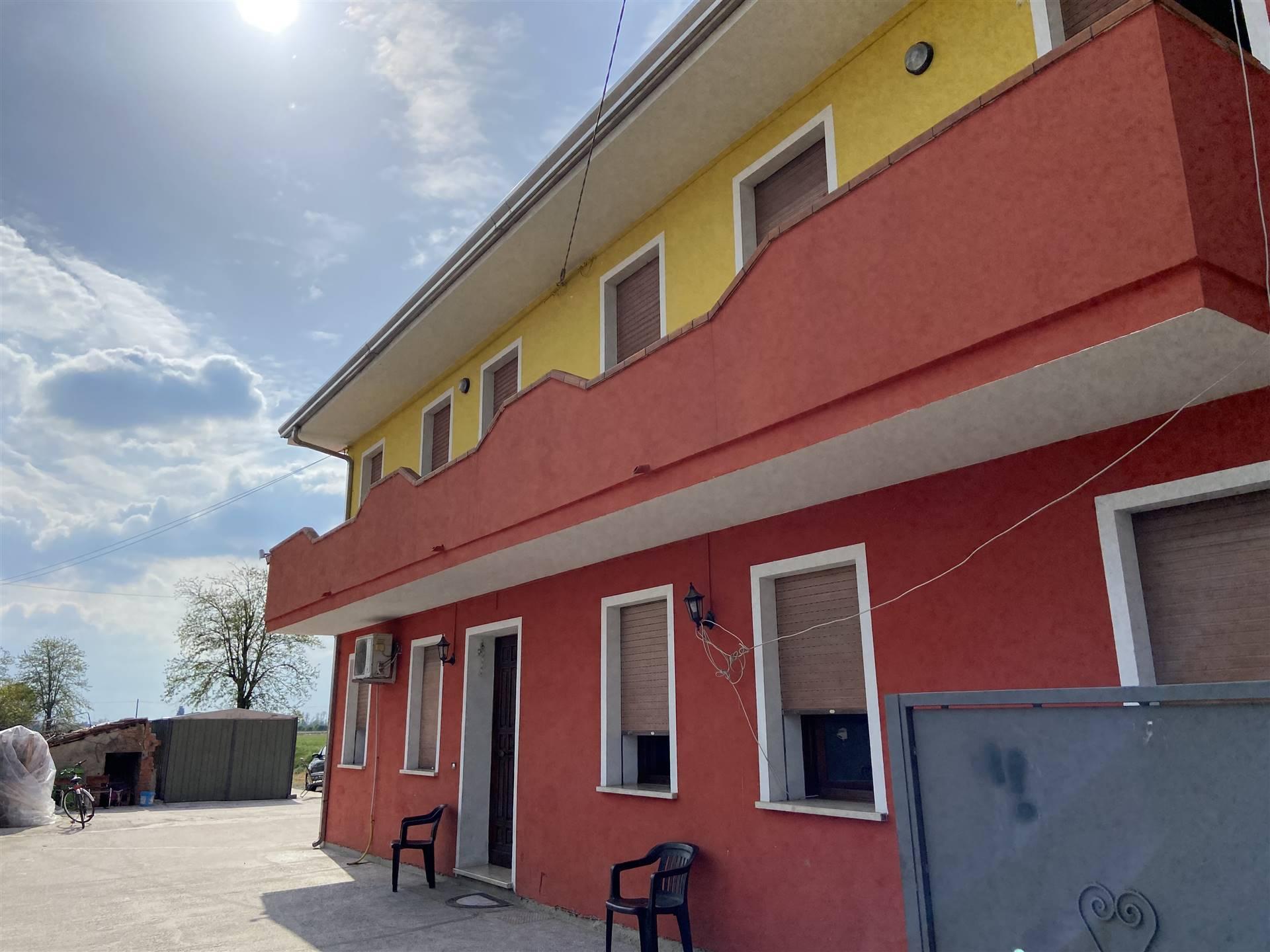 Villa bifamiliareaCANDA