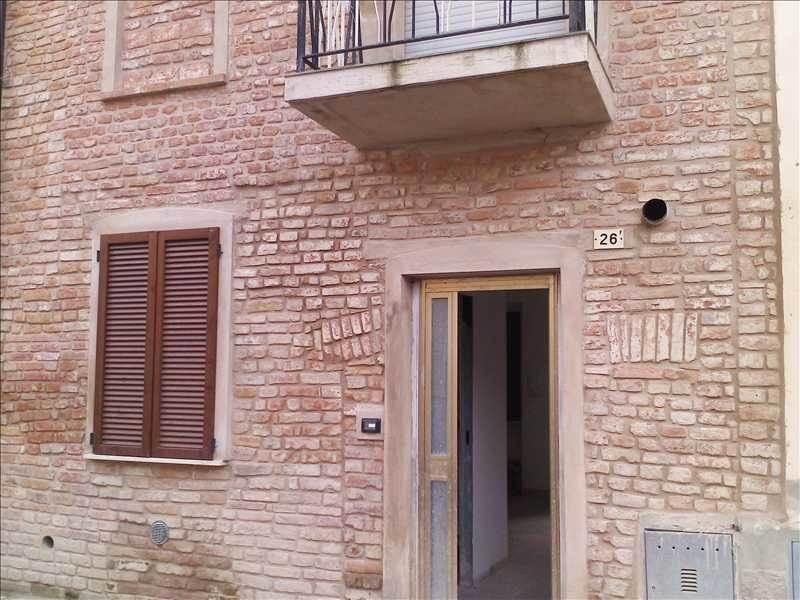 Casa singola, Miradolo Terme, ristrutturata