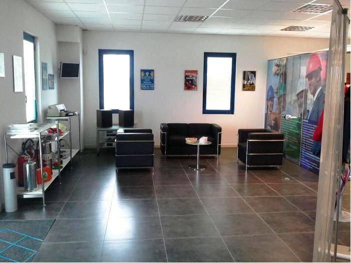 Capannone in vendita a Offanengo, 3 locali, prezzo € 390.000 | CambioCasa.it