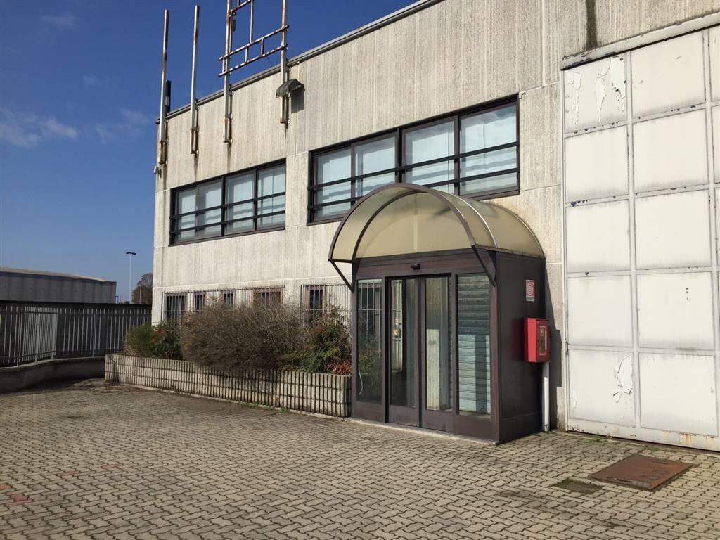 Capannone in affitto a Pieve Fissiraga, 10 locali, prezzo € 5.000 | CambioCasa.it