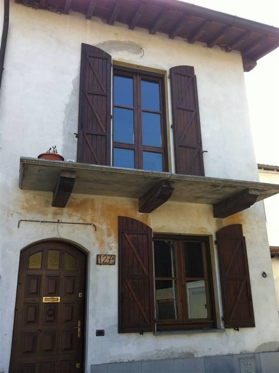 Villa a Schiera in vendita a San Colombano al Lambro, 4 locali, prezzo € 160.000   CambioCasa.it