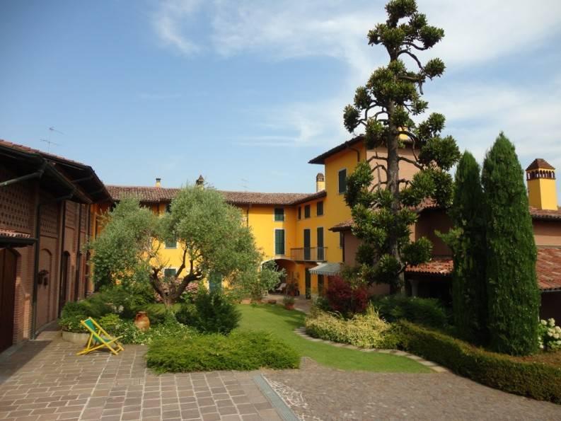Azienda Agricola in vendita a San Colombano al Lambro, 4 locali, Trattative riservate | CambioCasa.it