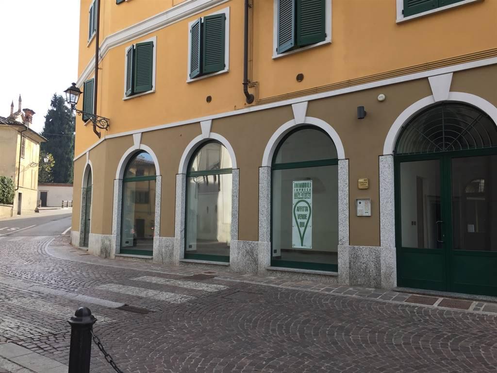 Ufficio / Studio in affitto a San Colombano al Lambro, 3 locali, prezzo € 1.000 | CambioCasa.it