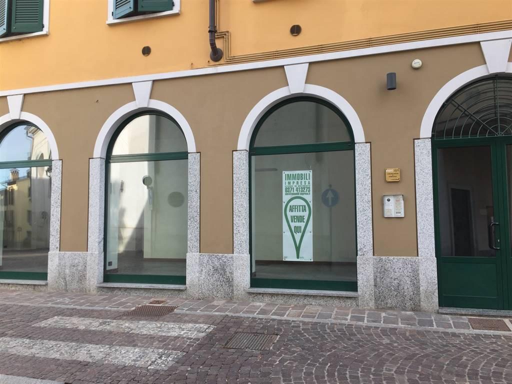 Ufficio / Studio in vendita a San Colombano al Lambro, 3 locali, prezzo € 200.000 | CambioCasa.it