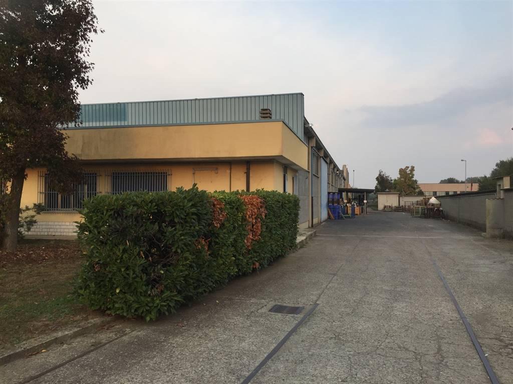 Capannone in affitto a Madignano, 10 locali, Trattative riservate | PortaleAgenzieImmobiliari.it