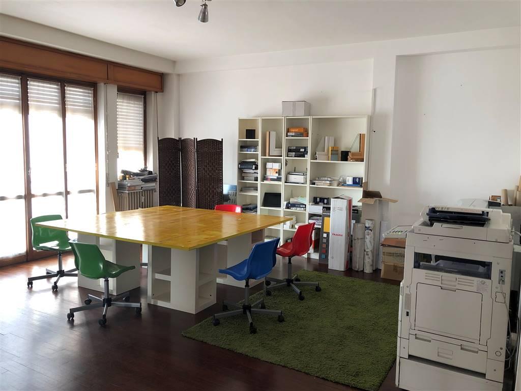 Ufficio / Studio in vendita a Cassano d'Adda, 6 locali, Trattative riservate | PortaleAgenzieImmobiliari.it