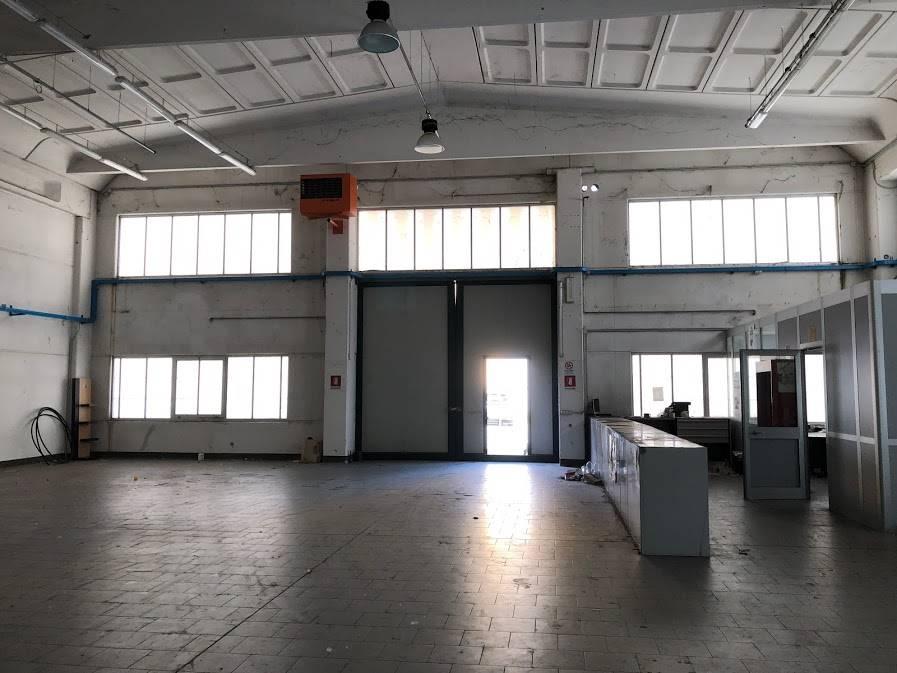 Capannone in vendita a Stradella, 5 locali, prezzo € 290.000 | PortaleAgenzieImmobiliari.it