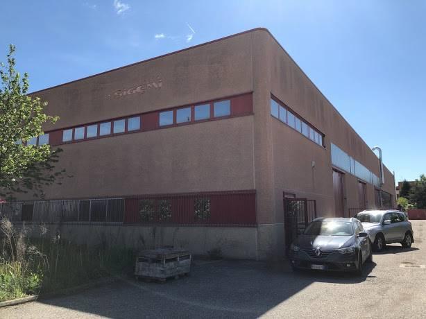 Laboratorio in vendita a Vidigulfo, 6 locali, Trattative riservate | CambioCasa.it