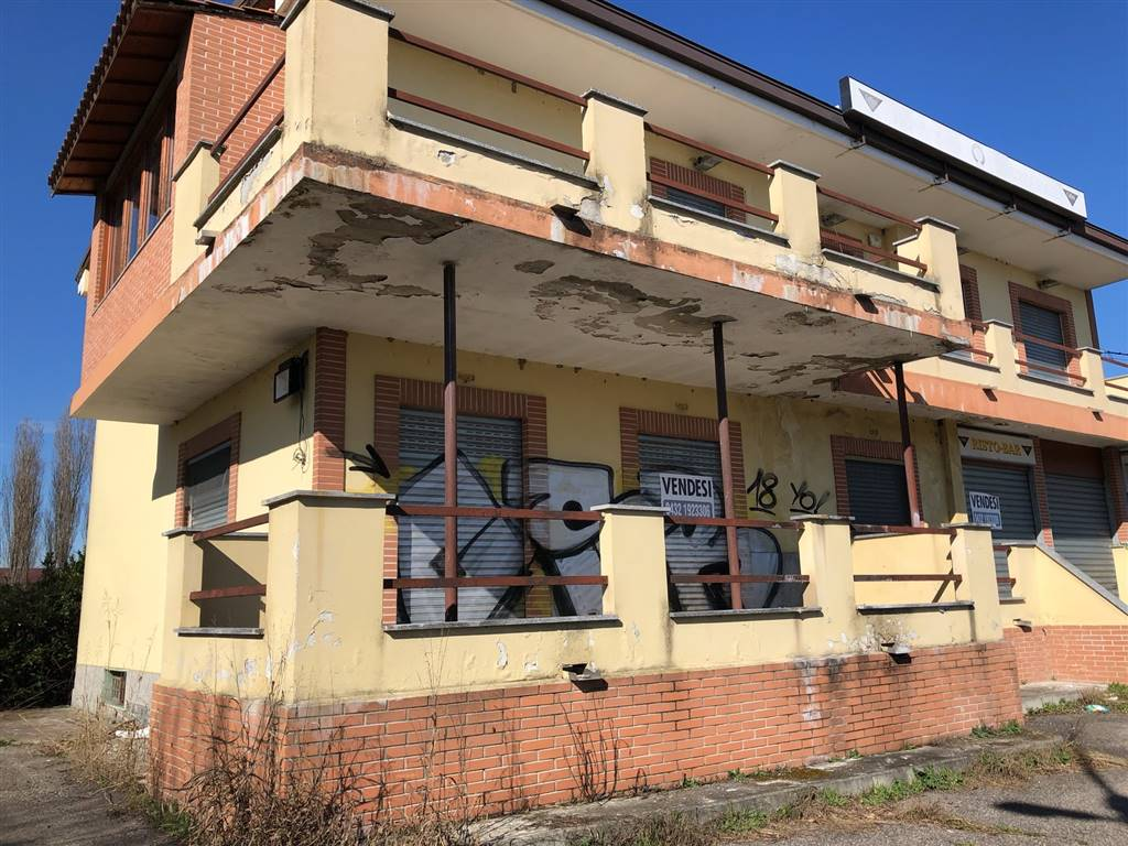 Ristorante / Pizzeria / Trattoria in vendita a Carpiano, 5 locali, prezzo € 450.000 | PortaleAgenzieImmobiliari.it