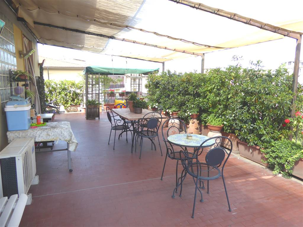 Appartamento in vendita a Scandicci, 6 locali, zona Zona: Casellina, prezzo € 360.000 | CambioCasa.it