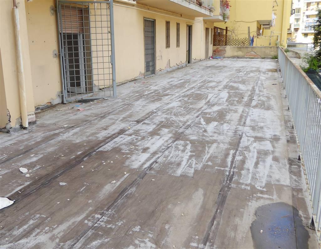Negozio / Locale in vendita a Firenze, 9 locali, zona Zona: 3 . Il Lippi, Novoli, Barsanti, Firenze Nord, Firenze Nova, prezzo € 370.000 | CambioCasa.it