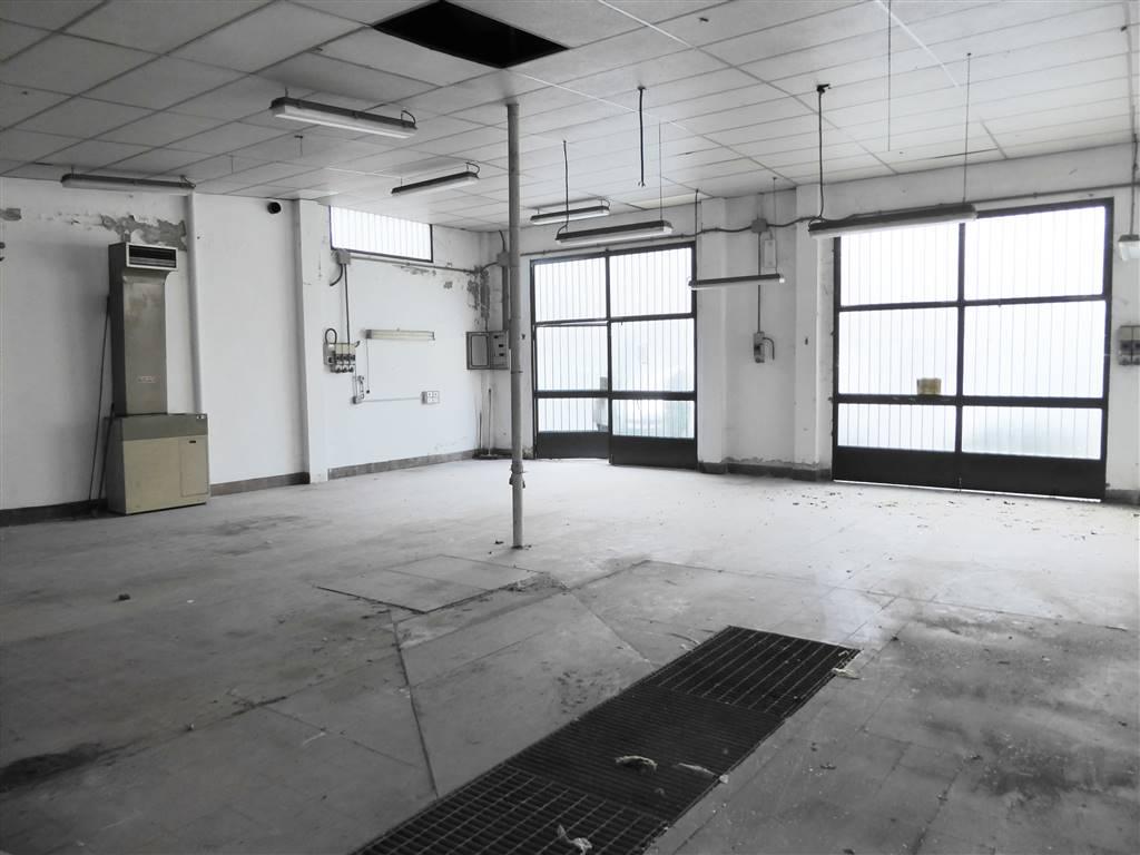 NOVOLI, FIRENZE, Laboratorio in vendita di 197 Mq, Abitabile, Riscaldamento Inesistente, Classe energetica: G, Epi: 310,2 kwh/m3 anno, posto al piano