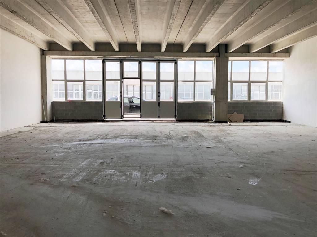 SCANDICCI, Capannone industriale in vendita di 138 Mq, Nuova costruzione, Riscaldamento Inesistente, Classe energetica: G, Epi: 191,5 kwh/m3 anno,