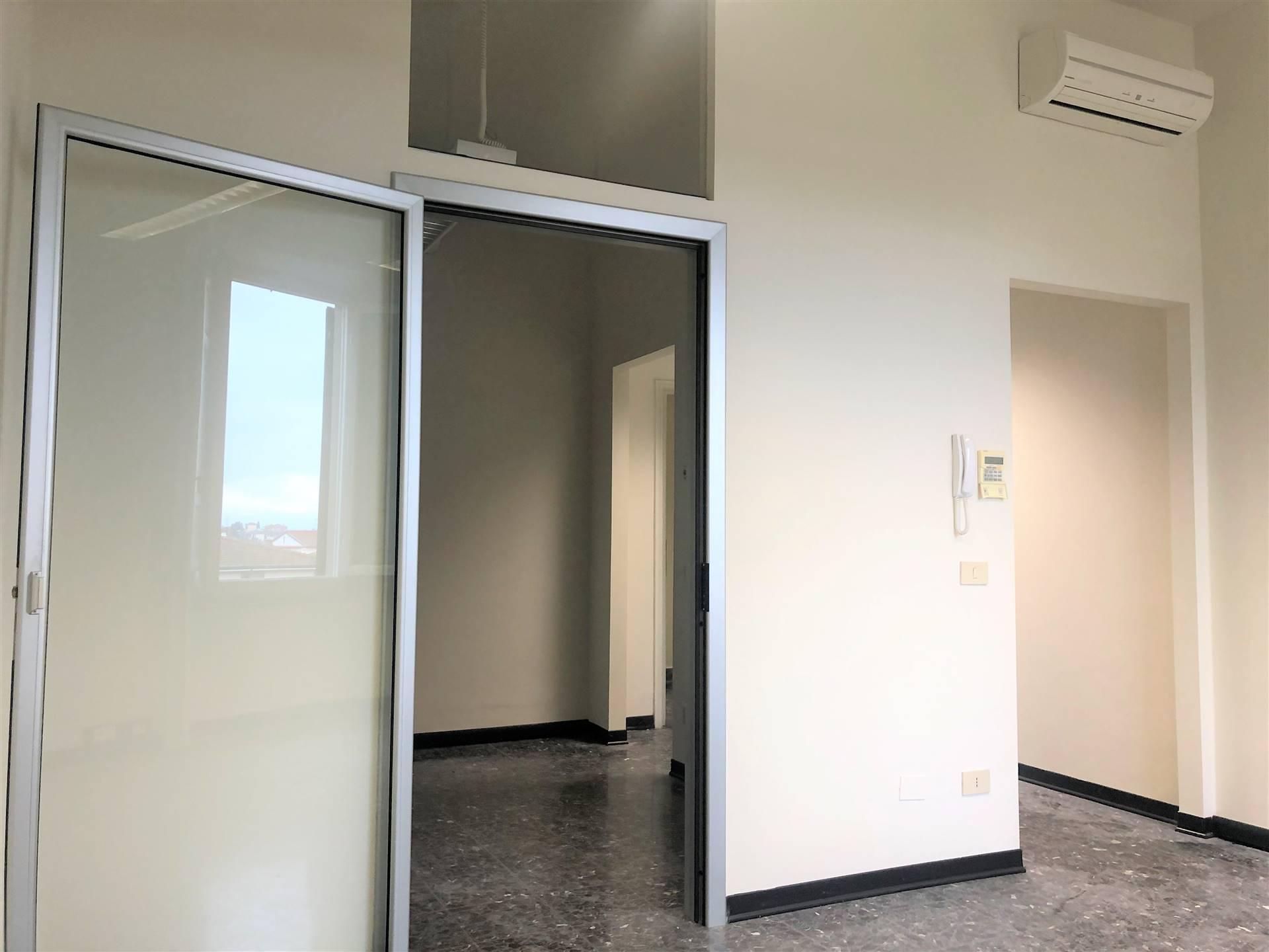 Ufficio / Studio in affitto a Lastra a Signa, 1 locali, prezzo € 500   CambioCasa.it