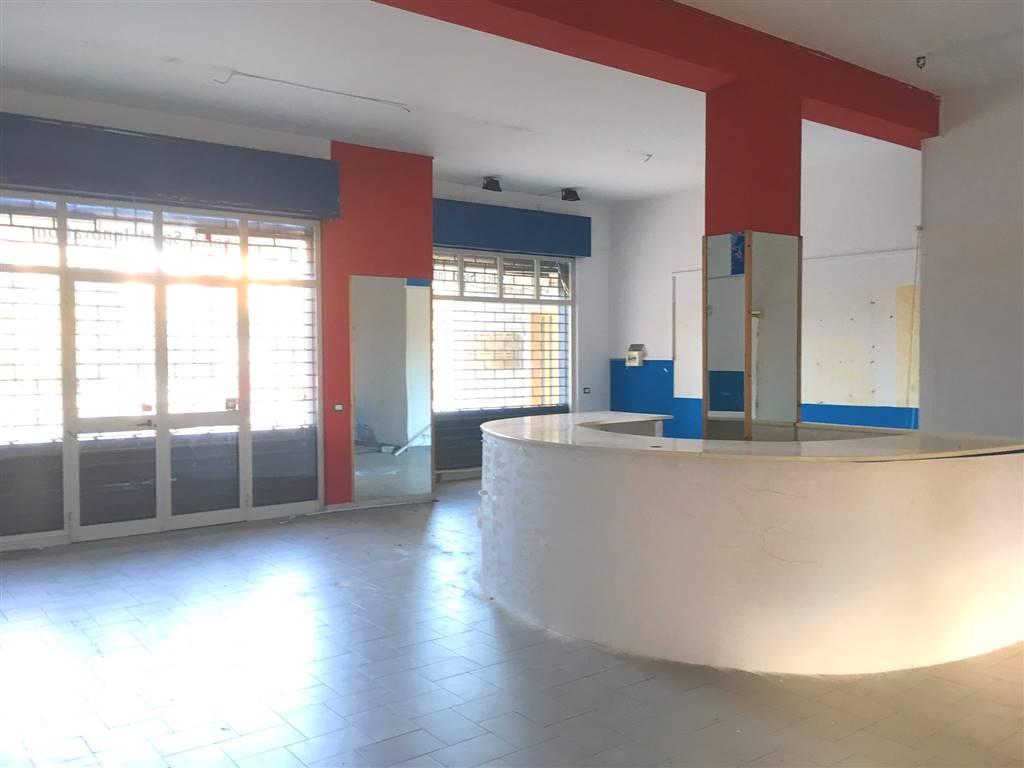 Immobile Commerciale in affitto a Mascalucia, 3 locali, prezzo € 800 | CambioCasa.it