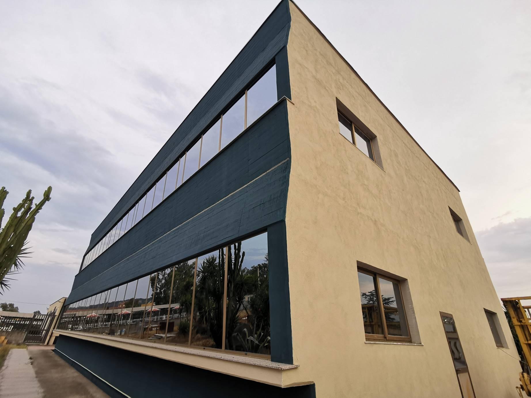 Ufficio / Studio in affitto a Belpasso, 15 locali, zona Località: PIANO TAVOLA, prezzo € 2.800 | CambioCasa.it