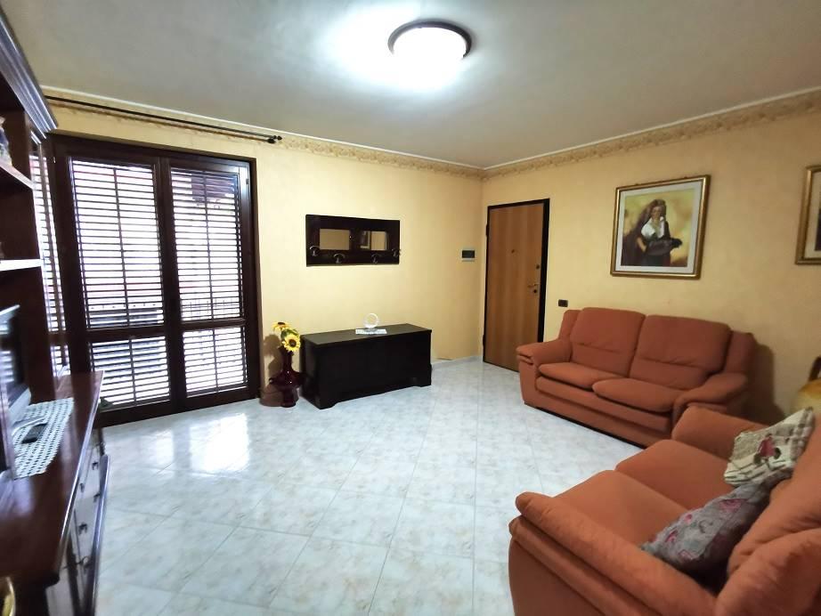 Appartamento in vendita a Pedara, 3 locali, prezzo € 135.000 | CambioCasa.it