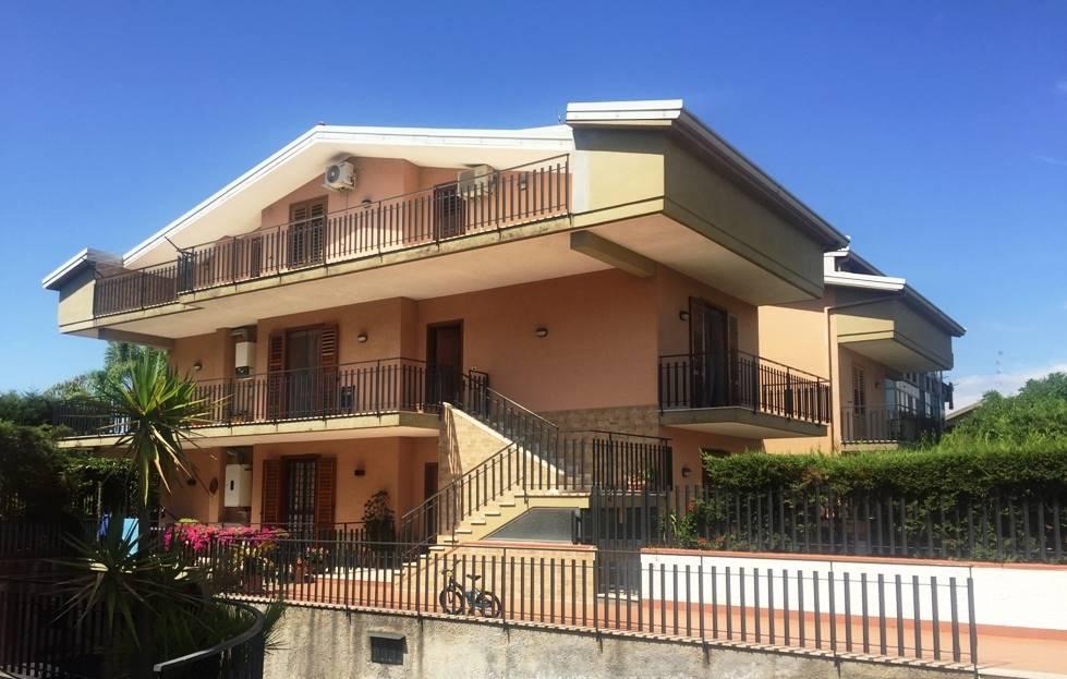 Appartamento, Sant'agata Li Battiati, in ottime condizioni