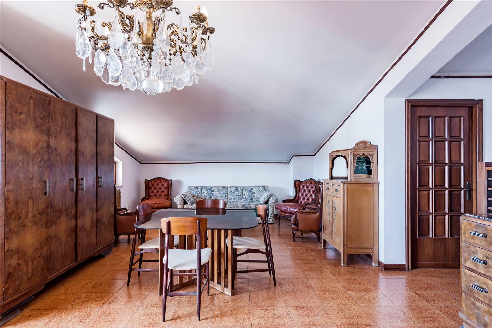 appartamento secondo piano- soggiorno
