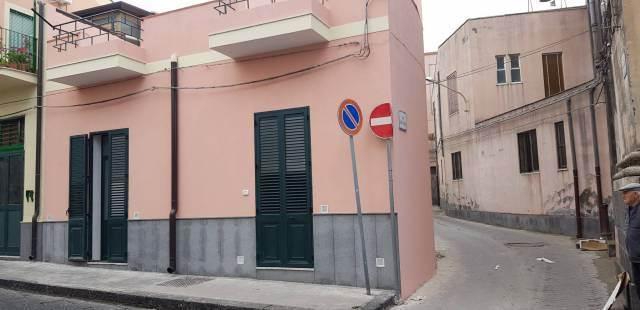 Rustico casale in Via Vittorio Emanuele Ii 160, Acireale