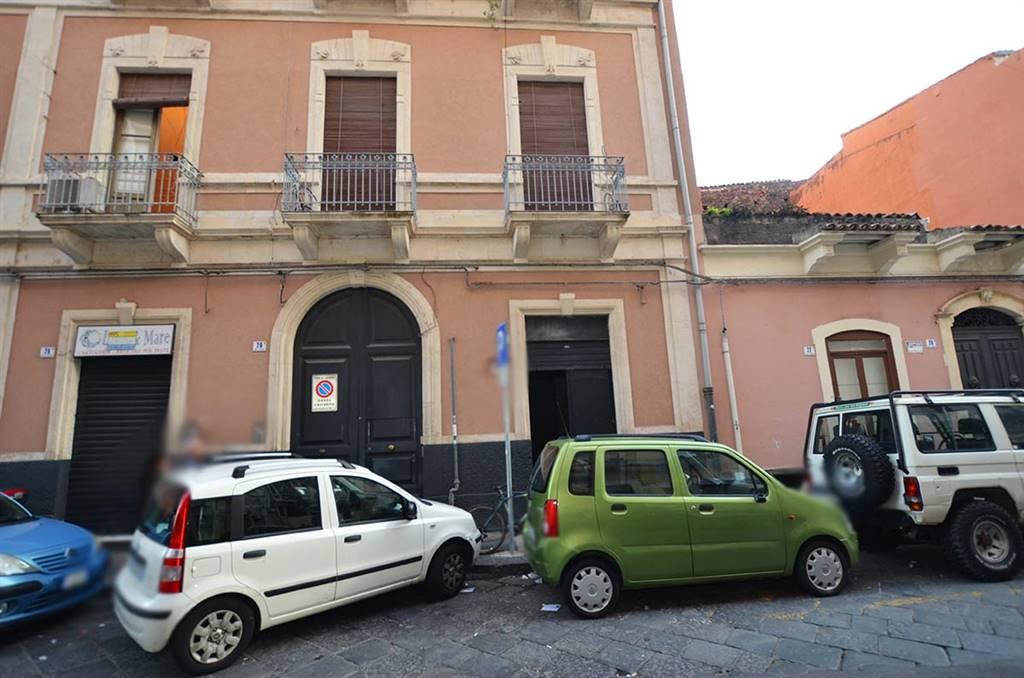 Locale commerciale in Via E.a.pantano  24, Via Etnea - Via Umberto, Catania