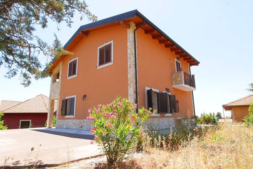 Villa in Via Federico Ii Di Svevia 2, Pedara