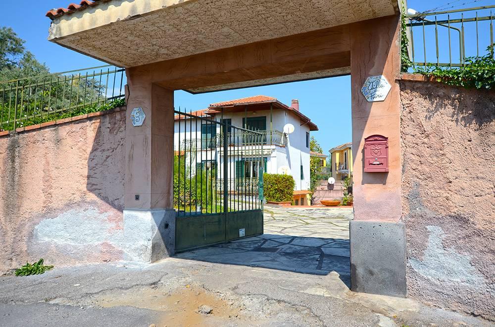 Villa in Via Degli Ulivi 3, San Giovanni La Punta