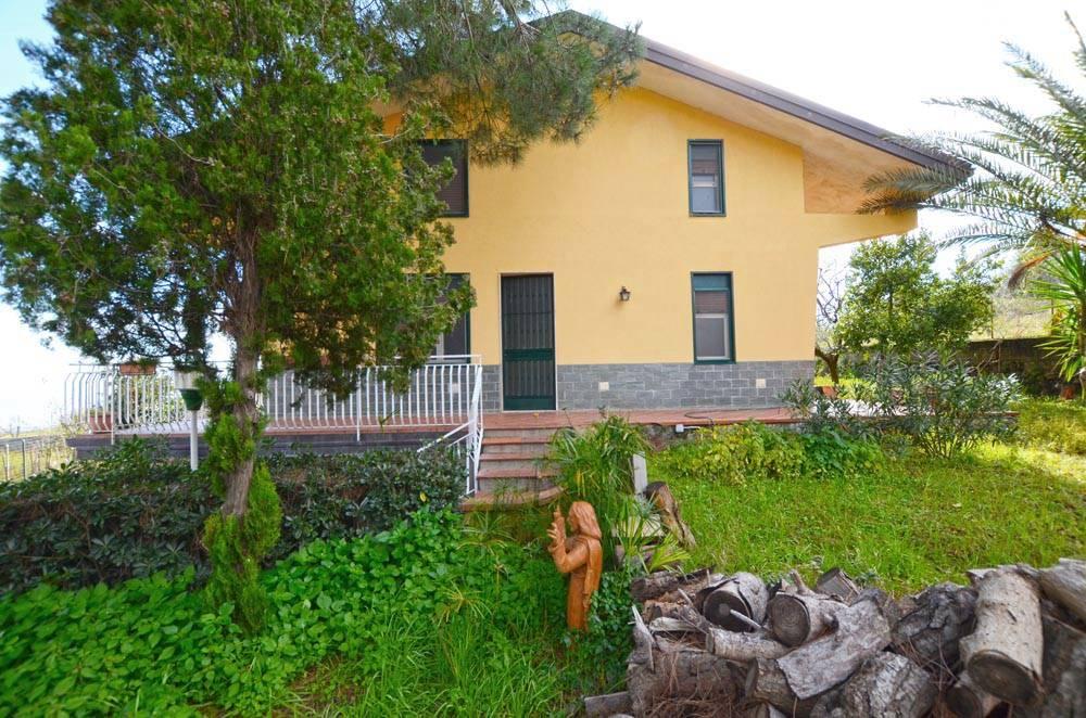Villa in Via Dottore Giuseppe Zappalà 79, Trecastagni