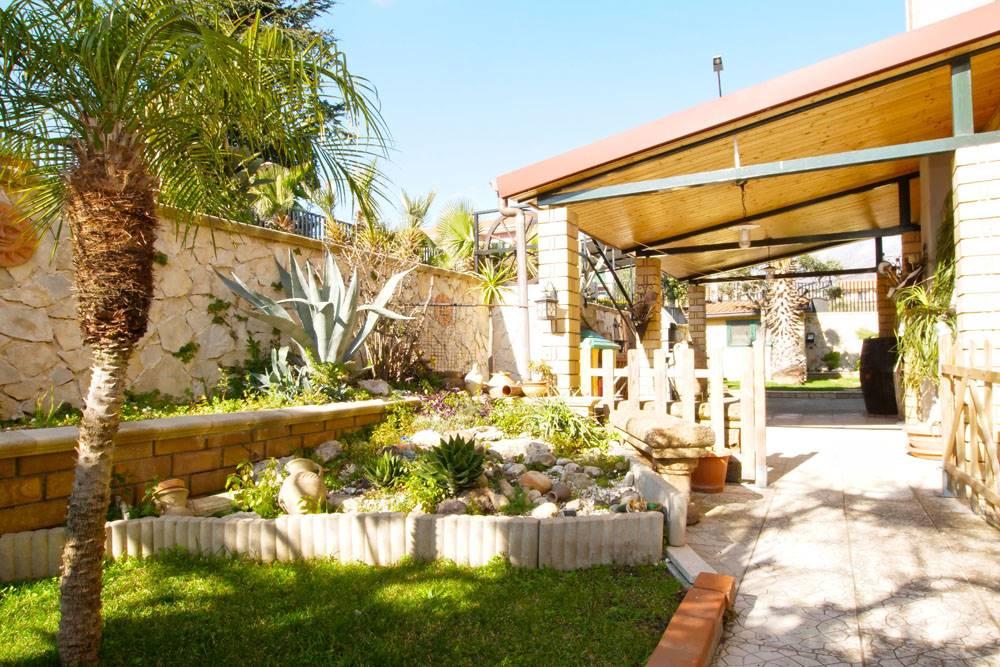 Villa a schiera in Via Venezia 13, Trecastagni