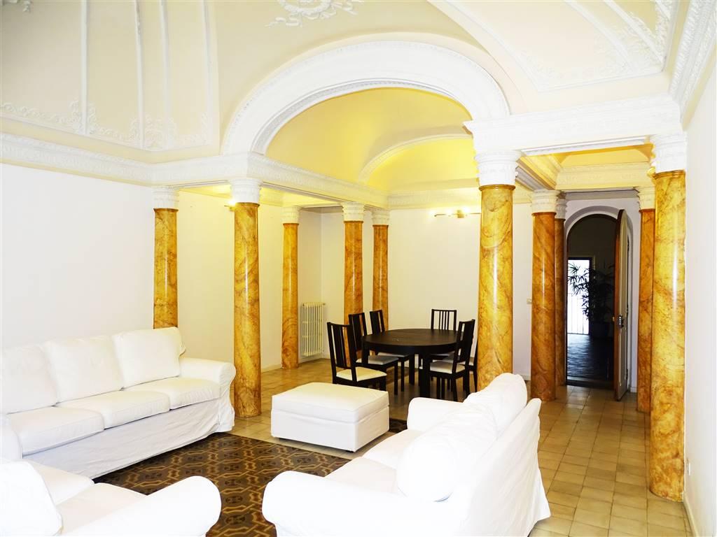 Appartamento in affitto a catania zona piazza teatro for Monovano arredato affitto catania