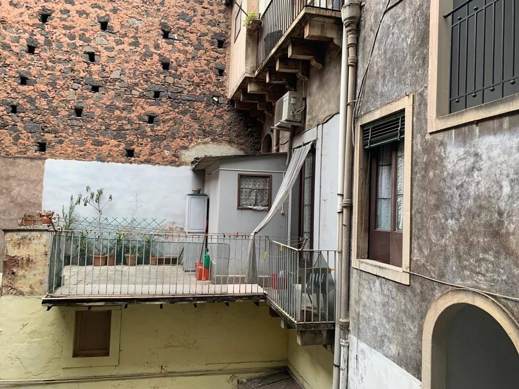 Trilocale in Via Ventimiglia 222, Via Etnea - Via Umberto, Catania