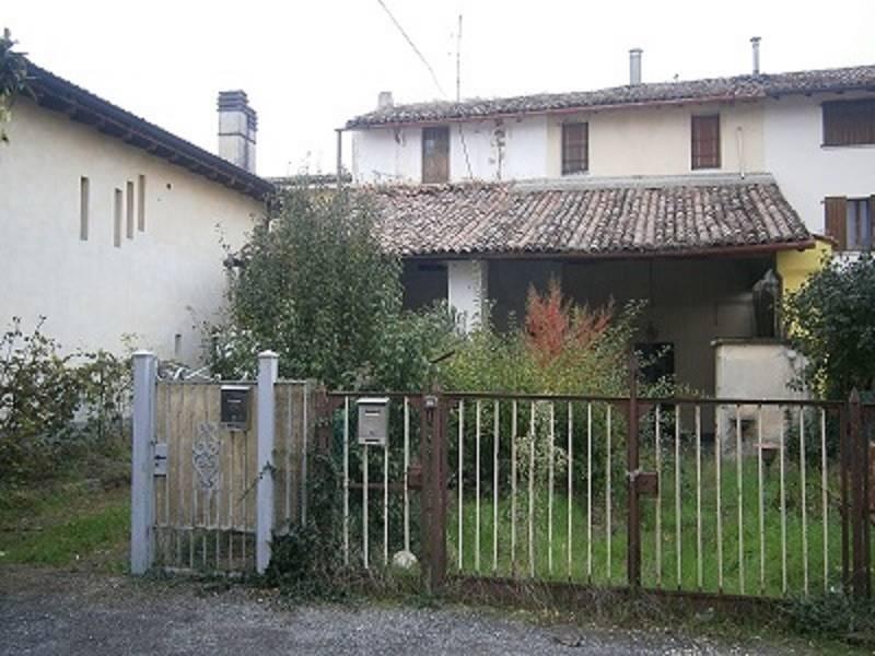 Rustico casale, Santa Maria Della Croce, Crema, da ristrutturare