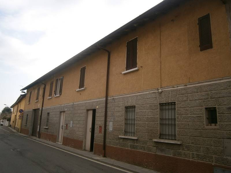 Casa semi indipendente, Salvirola, da ristrutturare