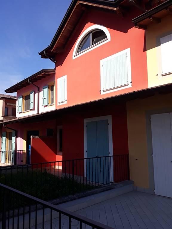 Villa a schieraaMADIGNANO