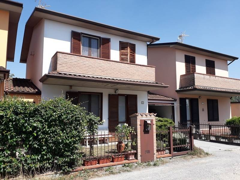 Villa a schieraaPALAZZO PIGNANO