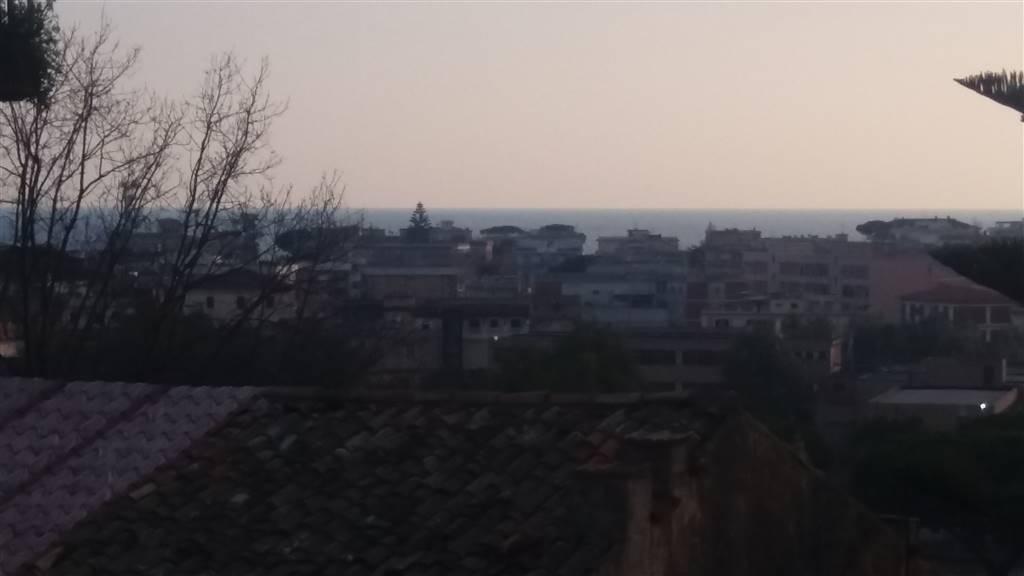 Trilocale, Terracina, da ristrutturare