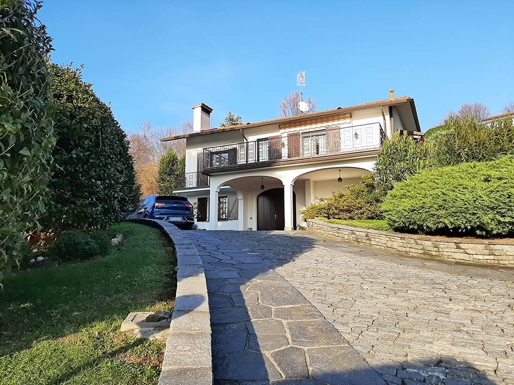 Villa in Via Bramante 16, Merate