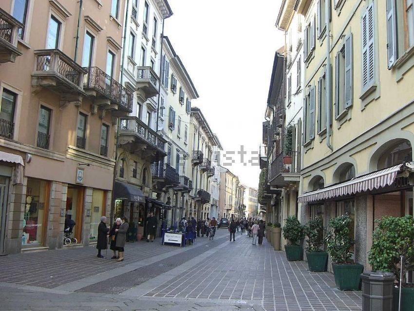Bilocale in Via Carlo Alberti, Centro Storico, San Gerardo, Libertà, Monza