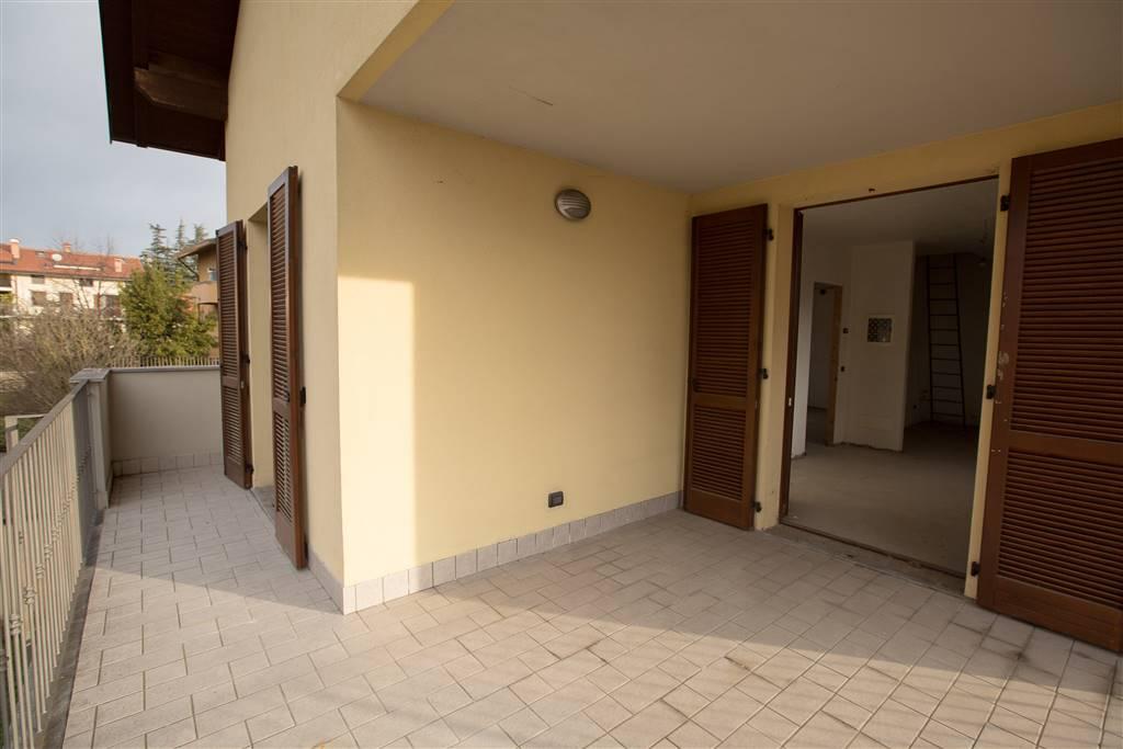 Trilocale in Via Mazzini 9, Cà, Arcore