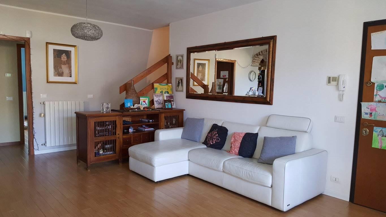 Appartamento in vendita a Valera Fratta, 3 locali, prezzo € 115.000 | CambioCasa.it