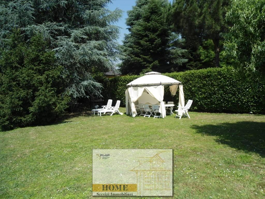 Villa bifamiliareaCORNEGLIANO LAUDENSE