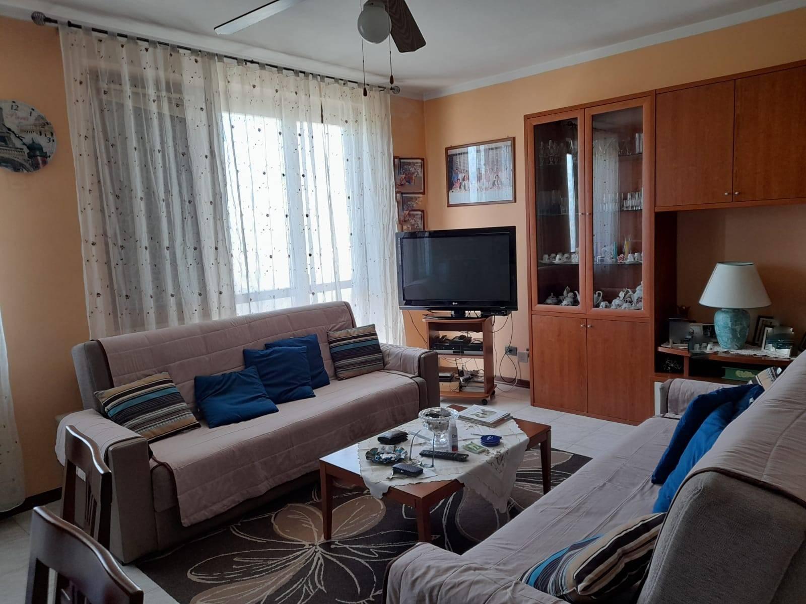 Villa a schieraaBORGO SAN GIOVANNI