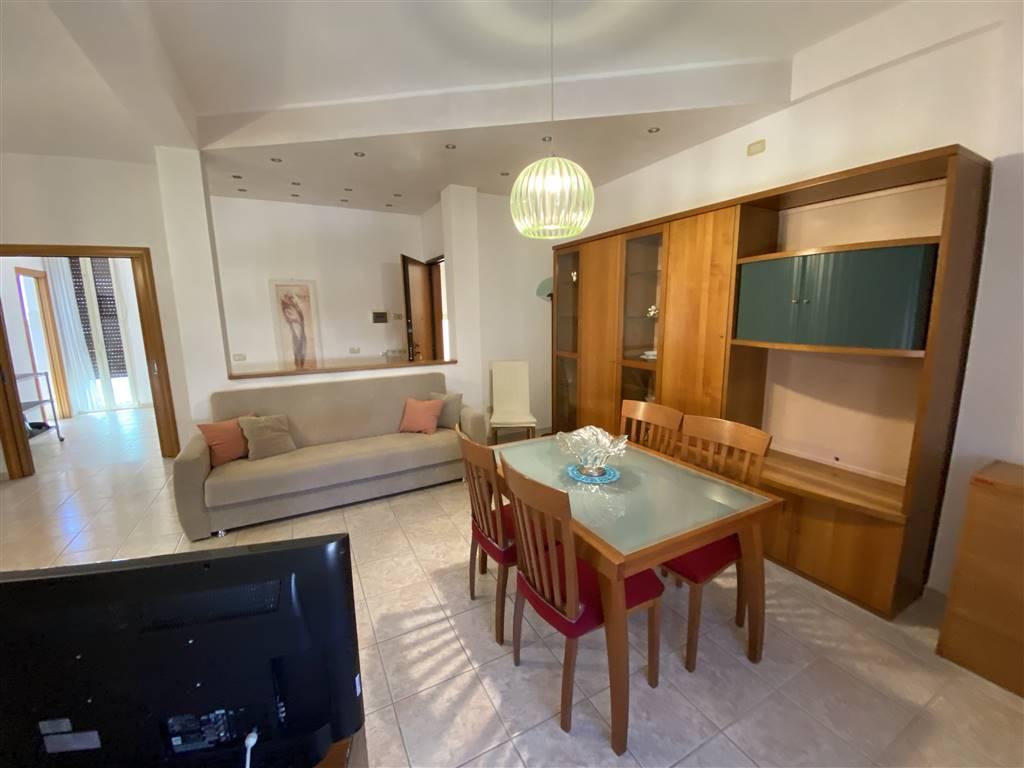 Appartamento in affitto a Vasto, 5 locali, zona Zona: Vasto Marina, Trattative riservate | CambioCasa.it